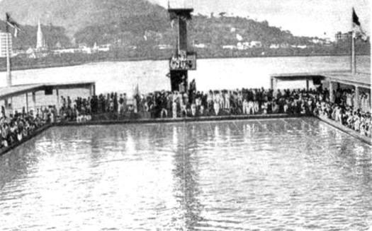 Piscina do Guanabara em 1935, em uma das grandes competições que lá ocorreram, justamente na piscina e no ano que Piedade Coutinho começou a se destacar.